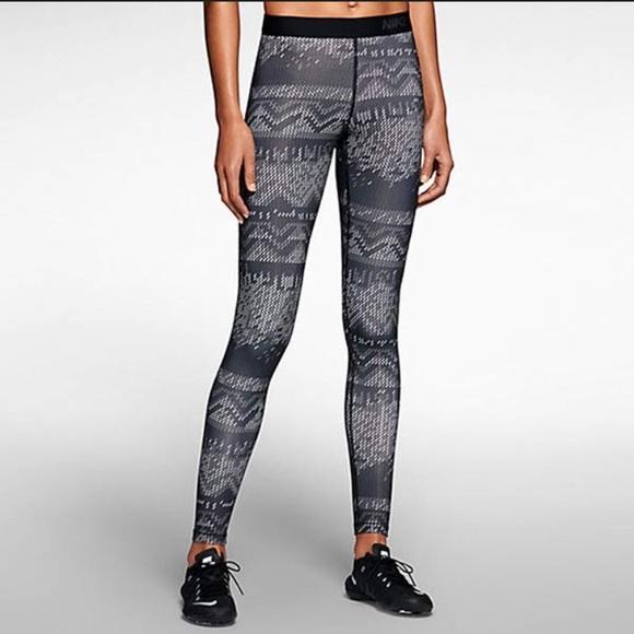 a5262a2c4f4227 Nike Pants | Pro Hyperwarm Leggings Small | Poshmark